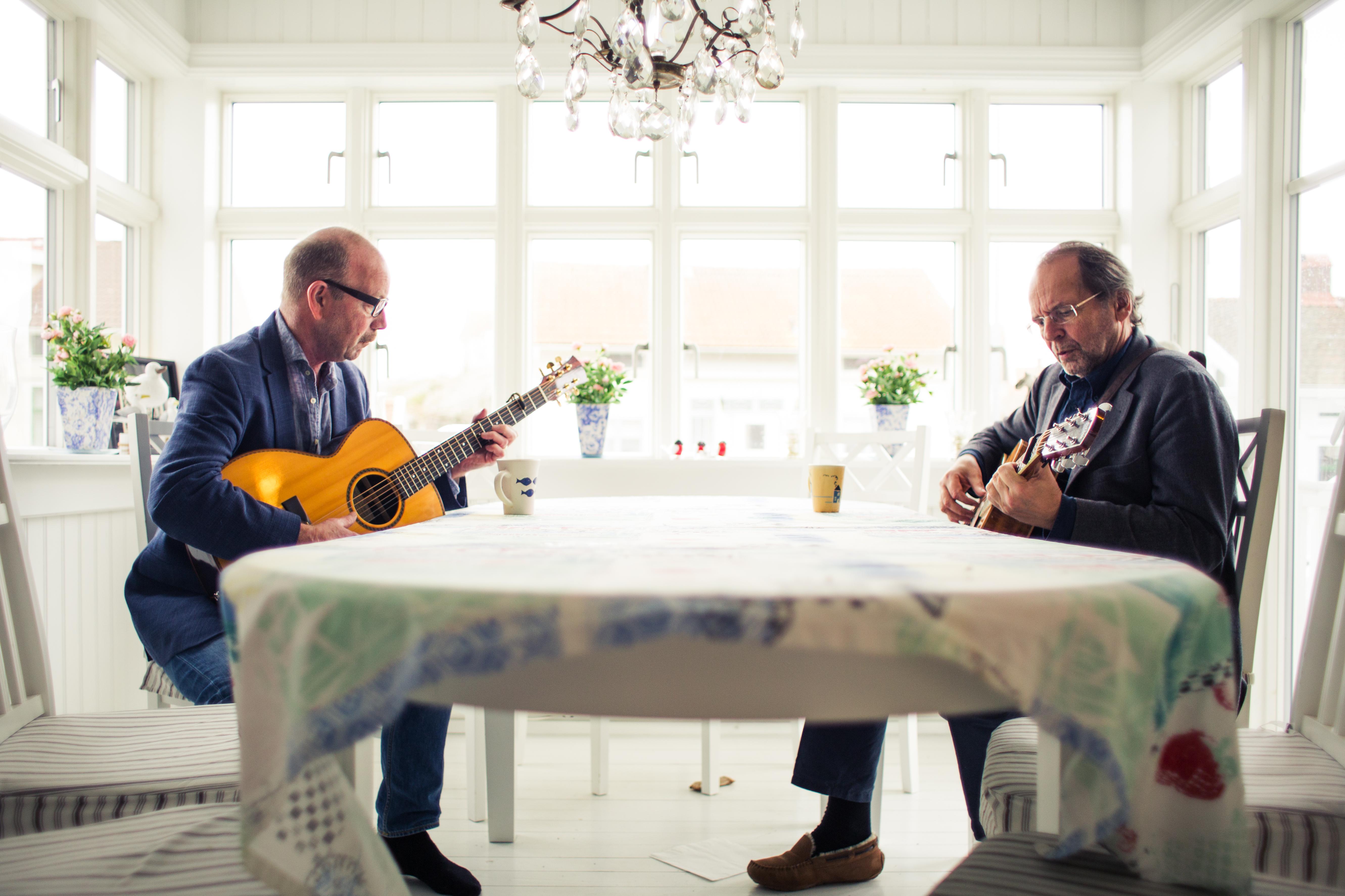 To Rustne Herrer er Jonas Fjeld og Ole Paus. Fri bruk til presse. Foto: Stageway